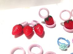 いちごの指輪です。|ハンドメイド、手作り、手仕事品の通販・販売・購入ならCreema。
