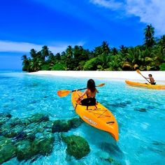 If you don't want that cliché Caribbean beach getaway or that trendy South Pacific retreat, you should venture to the Maldives. Maldives one of the beautiful island that being a dreams place for travelers. Dream Vacations, Vacation Spots, Vacation Checklist, Dream Trips, Sri Lanka, Places To Travel, Places To See, Places Around The World, Around The Worlds