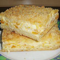 Crumble cake with tangerines and sour cream- Streuselkuchen mit Mandarinen und Schmand Crumb cake with tangerines and sour cream of siaba Baking Recipes, Cookie Recipes, Snack Recipes, Dessert Recipes, Sour Cream Desserts, Ice Cream Recipes, Easy Smoothie Recipes, Easy Smoothies, Cinnamon Cream Cheeses
