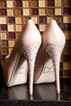 Love these wedding shoes! Wedding Heals, Wedding Shoes, Wedding Blog, Wedding Stuff, Wedding Planner, Reception Ideas, Wedding Reception, Colorado Wedding Venues, Bride Shoes