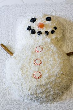 snowman - reminds me of the bunny cake!