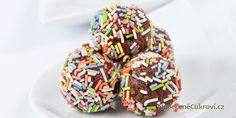 Připravte si skvělé čokoládové kuličky, které budou chutnat opravdu každému. Toto nepečené cukroví zvládnete připravit i těsně před svátky, neboť je velmi jednoduché.
