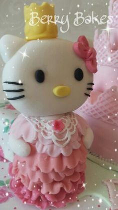 Hello Kitty sugar paste model by Berry Bakes