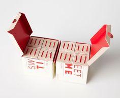Дизайнер из Канады Pénélope создала проект упаковки для чая с сахаром, коробки, и первичная, и общая, оригинальной конструкции, да и сам замысел весьма оригинальный — в коробочке вместе с чайным пакетиком на одной веревочке упакован кусок сахара, привязанный ко второй веревочке. Коробки оформлены печатью в один цвет, веревочки того же цвета, что и печать на коробках.  http://am.antech.ru/YTeW  #Pénélope #упаковка #дизайн #дизайнупаковки #упаковкачая #коробкидлячая #чайнаяупаковка…
