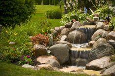 Kleine natuurlijke waterval - aquascapeinc.com