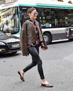 Olivia Palermo Attends the Giambattista Valli Womenswear Show as part of PFW✨ - Estilo Olivia Palermo, Olivia Palermo Street Style, Olivia Palermo Outfit, Olivia Palermo Lookbook, Capsule Wardrobe, Milan Fashion Weeks, London Fashion, Fall Outfits For Work, Autumn Fashion Casual
