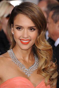 """""""""""Las famosas mejor maquilladas de 2013 - Jessica Alba, en los Globos de..."""