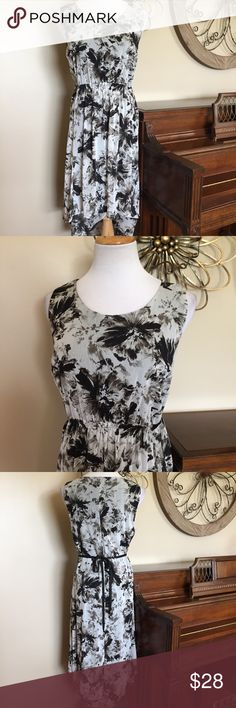 """NWT Simply Vera Wang Size Large High Low Dress New with Tags! Bust measures 19.5"""" from armpit to armpit and Length is 36"""" at shortest point and 42"""" at the longest. Dress also has a Tieback. Simply Vera Vera Wang Dresses High Low"""