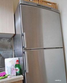 Ποιος είναι ο καλύτερος καθαρισμός ανοξείδωτων επιφανειών; Μα φυσικά αυτός που δεν χρειάζεται χημικά καθαριστικά. Δείτε πως θα το καταφέρετε κι εσείς. Pula, Clean My House, Sparkling Clean, Household Chores, Household Cleaners, Tips & Tricks, Green Cleaning, Home Recipes, Home Hacks