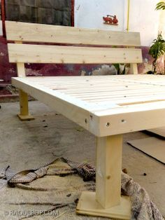 Last summer, I made a custom king size bed frame for our bedroom, out of solid w. - Last summer, I made a custom king size bed frame for our bedroom, out of solid wood. I held off on - Custom Bed Frame, Diy Lit, Bed Frame Plans, Cama King, King Size Bed Frame, Diy King Bed Frame, Diy Wood Bed Frame, Built In Bed, Murphy Bed Plans