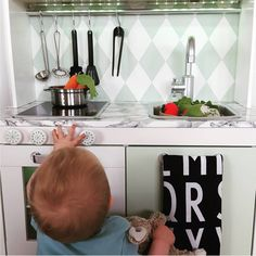Ikea Play Kitchen is the Best because It Has An Adjustable Ikea Kids Kitchen, Kitchen Sets For Kids, Kitchen Cost, Kitchen Ideas, Kitchen Designs Photos, Kitchen Images, Kitchen Pictures, White Kitchen Table Set, Vintage Kitchen Sink