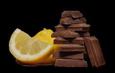 Narancsos csokoládé – a narancs, csokoládé főleg a téli, hideg esték népszerű párosa, melyet áthat a karácsonyi készülődés hangulata Candy, Chocolate, Food, Essen, Chocolates, Meals, Sweets, Candy Bars, Brown