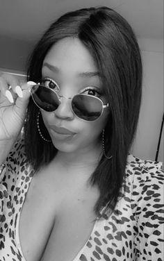 Round Sunglasses, Sunglasses Women, Ursula, Fashion, Moda, Round Frame Sunglasses, Fashion Styles, Fashion Illustrations