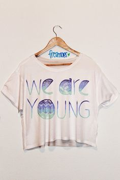We Are Young Aztec Crop Shirt from Fresh-Tops. Cute Crop Tops, Crop Top Shirts, Crop Shirt, Cute Shirts, Outfits For Teens, Cool Outfits, Summer Outfits, Retro Outfits, Summer Clothes