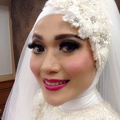 Fintya (retouch makeup)  #makeup #weddingmakeup #partymakeup #makeupartist #mua #makeupgeek #motd #bridemakeup #bride #hijab