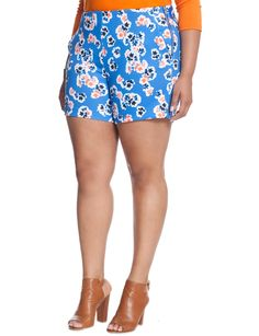 Eloquii Sadie Short in Blue Floral High waisted scuba short in light blue and coral floral print. Zips on left hip. In pristine condition. Plus Size Clothing Online, Plus Size Womens Clothing, Plus Size Fashion, Trendy Clothing, Cheap Cocktail Dresses, Funny Fashion, Plus Size Shorts, Floral Crop Tops, Minimalist Fashion