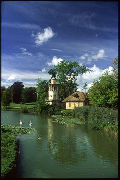 Hameau de la Reine (Marie Antoinette's hamlet), Chateau de Versailles #voyage #versailles