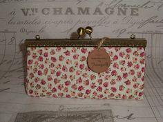 Joisys® Große Bügeltasche Schminkbox  kleine Rosen von Leinen-Traum auf DaWanda.com