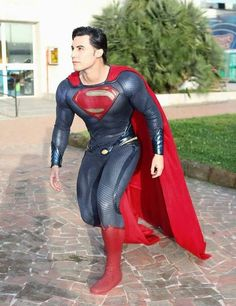 Superman Suit, Superman Cosplay, Dc Cosplay, Male Cosplay, Comic Con Cosplay, Best Cosplay, Cosplay Costumes, Amazing Cosplay, Supergirl