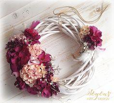 Luxusní třpytivý věnec Grapevine Wreath, Grape Vines, Floral Wreath, Wreaths, Home Decor, Floral Crown, Decoration Home, Door Wreaths, Room Decor
