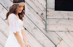 McKenzie in Justin Alexander. Custom sleeve by The Brides' Shop.  Photography by Kirstin Roper.