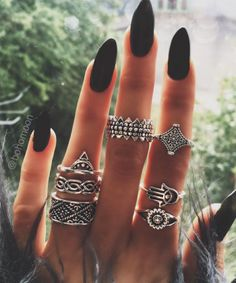 Nails black grunge rings ideas for 2019 Nail Jewelry, Cute Jewelry, Boho Jewelry, Bohemia Jewelry, Gold Jewellery, Jewlery, Silver Jewelry, Love Nails, How To Do Nails