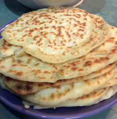 2 Ingredient Homemade Naan Bread Just 101 Calories Homemade Naan Bread, Recipes With Naan Bread, Healthy Mummy Recipes, Baking Recipes, Healthy Food, Pancake Recipes, Healthy Eating, Clean Eating, Flour Recipes
