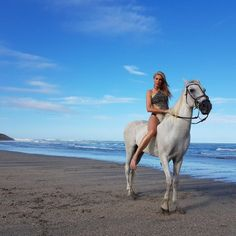 Ana Hickmann anda a caballo en Jericoacoara (Foto: Karine Basilio)