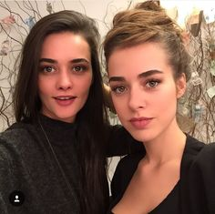 bensu ve hande soral Full Makeup, Becoming An Actress, Actrices Hollywood, Turkish Beauty, Crafts For Girls, Turkish Actors, Girls Image, My Princess, All About Fashion