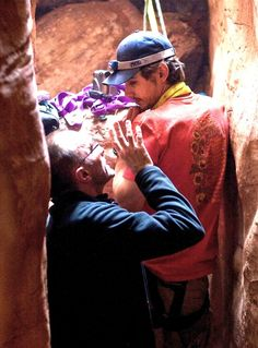 Danny Boyle and James Franco on the set of 127 Hours.