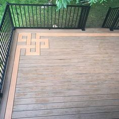 Image may contain: plant and outdoor holzdecke Deck Design, Floor Design, House Design, Palet Garden Furniture, Outdoor Projects, Home Projects, House Deck, Garden Yard Ideas, Architecture Details
