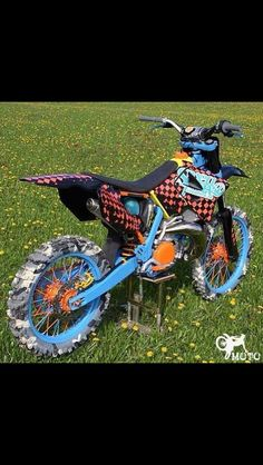 Not to sure about the bike colors but the tires are dope!!!!!