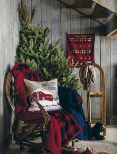 Gearing up for Christmas at the rustic cabin. Love the rustic red decor.
