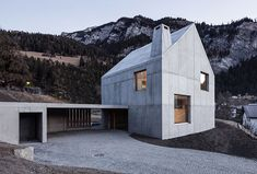 The Trin Cabin By Schneller Caminada Architects is part of Concrete architecture - Located on a mountainside in the beautiful Trin village in Switzerland, this modern residence was recently renovated by Schneller Caminada Architects, who have kept the Architecture Résidentielle, Minimalist Architecture, Contemporary Architecture, Amazing Architecture, Futuristic Architecture, Contemporary Design, Architecture Organique, Concrete Houses, Timber House