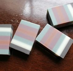 和カラーの7列デザイン石鹸|新潟 手作り石鹸の作り方教室 アロマセラピーのやさしい時間