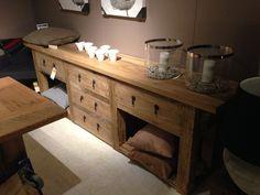 massief houten dressoir