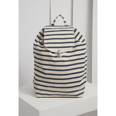 f6b86ff4cfd8 FOREVER 21 Baggu Sailor Stripe Backpack Bőr Hátizsák, Női Kiegészítők,  Táskák, Hátizsákok,