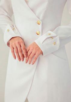 Image description Sleeves Designs For Dresses, Sleeve Designs, Abaya Designs, Blouse Designs, Abaya Fashion, Fashion Dresses, Fashion Design Drawings, Fashion Sewing, Fashion Details