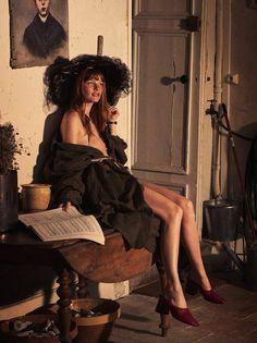 L'effrontée: Amanda Smith by David Burton for Elle France 07 August 2015 - CHANEL Spring 2015 Haute Couture hat