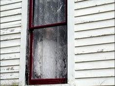 Real Ghosts Caught On Camera Real Ghost Photos, Ghost Pictures, Creepy Pictures, Spooky Places, Haunted Places, Haunted Houses, Real Paranormal, Ghost Caught On Camera, Haunted America