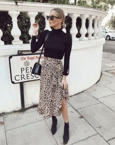 outfits Say & to boring clothes 🚫 Say & to the Lulu leopard wr. Say & to boring clothes 🚫 Say & to the Lulu leopard wrap skirt and jazz up your everyday outfits easily 💁🏽‍♀️😍 Tap to shop! Mode Outfits, Trendy Outfits, Fashion Outfits, Fashion Ideas, Chic Outfits, Womens Fashion, Fashion Styles, Night Outfits, Casual Skirt Outfits