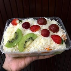 3 Ways to Make Fruit Salads for Sale Tasty and Practical - snacks - Salad Recipes, Snack Recipes, Dessert Recipes, Cooking Recipes, Snacks, Pudding Desserts, Vegetarian Recipes, Dessert Packaging, Snap Food