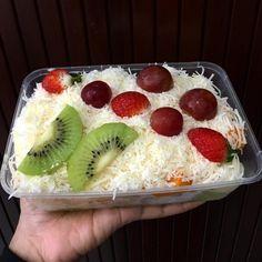3 Ways to Make Fruit Salads for Sale Tasty and Practical - snacks - Salad Recipes, Snack Recipes, Dessert Recipes, Cooking Recipes, Snacks, Desserts, Vegetarian Recipes, Harvest Salad, Dessert Packaging
