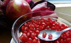 How to Conquer a Pomegranate