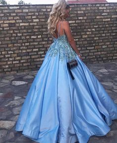 Puffy Satin V Neck Prom Ball Gowns Formal Dresses Crystals Beaded Lace Bodice