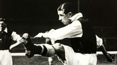 11. CLIFF BASTIN   1929-1947   Won an incredible five league titles and two FA Cups as the main striker in Herbert Chapman's dominant side in the 1930s. Scored 178 times in 398 games for Arsenal and might have had an even better record if it wasn't for World War II. - Goal.com