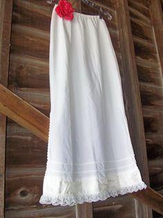 Crisp Vintage Maxi Prairie wedding Slip by glamtownvintage on Etsy, $24.00