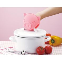 Piggy Pot Holder by Marna @Pascale Lemay Lemay De Groof