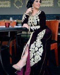 Sell caftan en ligne whatsapp 212663293299 #love #caftan #kaftan #takshita #takchita #maroc #bled #morocco #maghreb #maghrib #travel #wedding #dress #green #classy #classic #fashion #insta #instalike #instashot #sfs #follow #likeforlike #hautecouture #dubai #tunis #algerie #lady