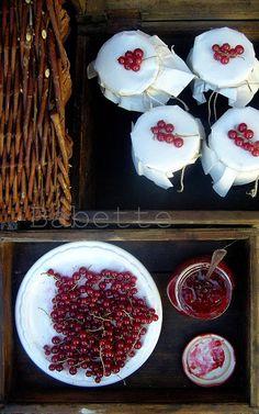Vaníliás rumos ribizlizselé Ketchup, Panna Cotta, Spices, Canning, Ethnic Recipes, Food, Spice, Home Canning, Hoods